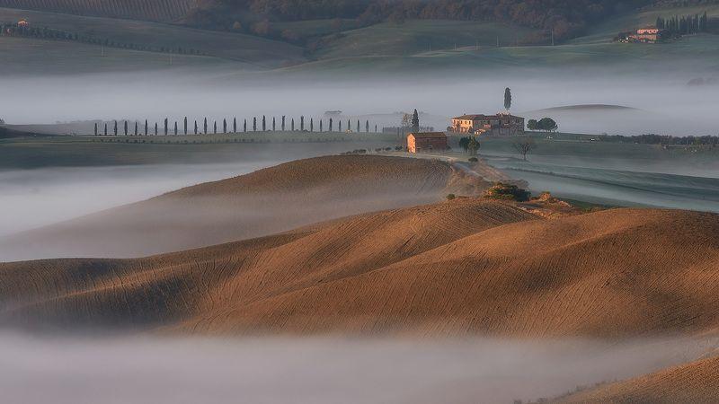 Туманное утро в Тосканеphoto preview