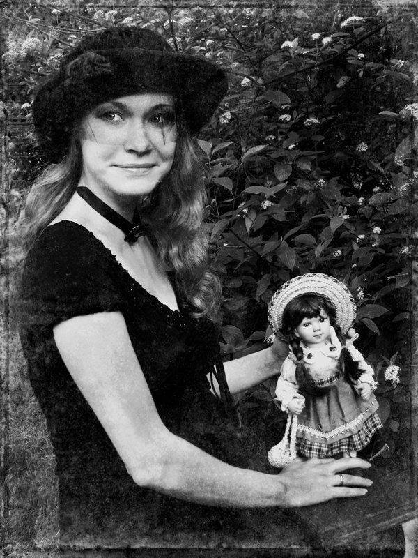 девушка, взгляд, кукла, беременность, игры, ретро Игры в куклы.photo preview