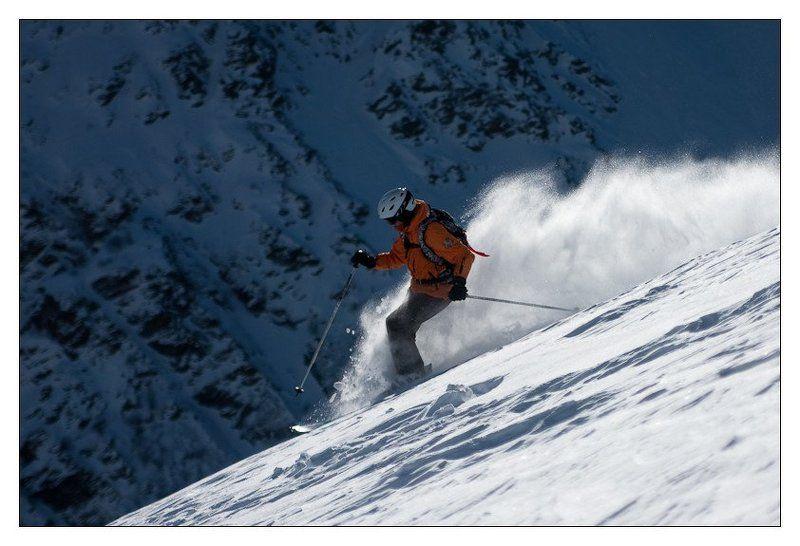 горы, кавказ, чегет, девушка, горные лыжи Фрирайд. Пыльphoto preview