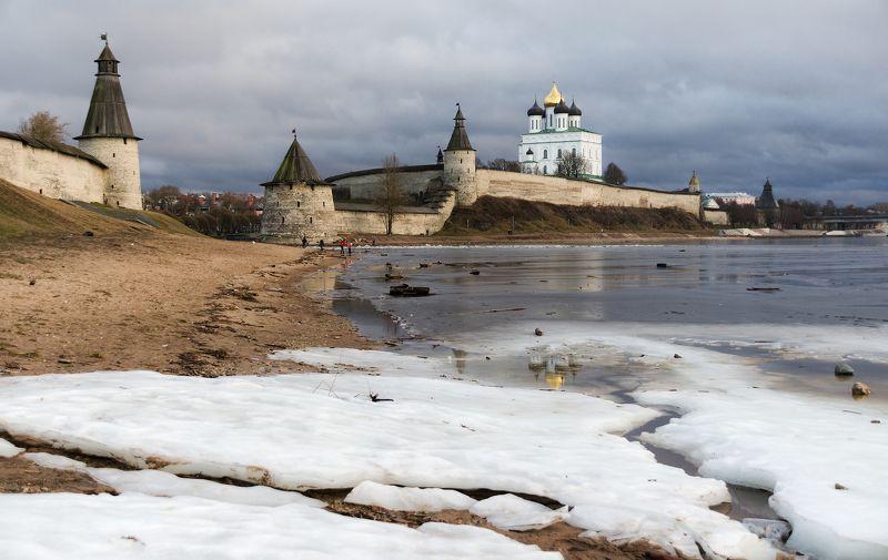 псков, река, оттепель Вот такой февраль..photo preview
