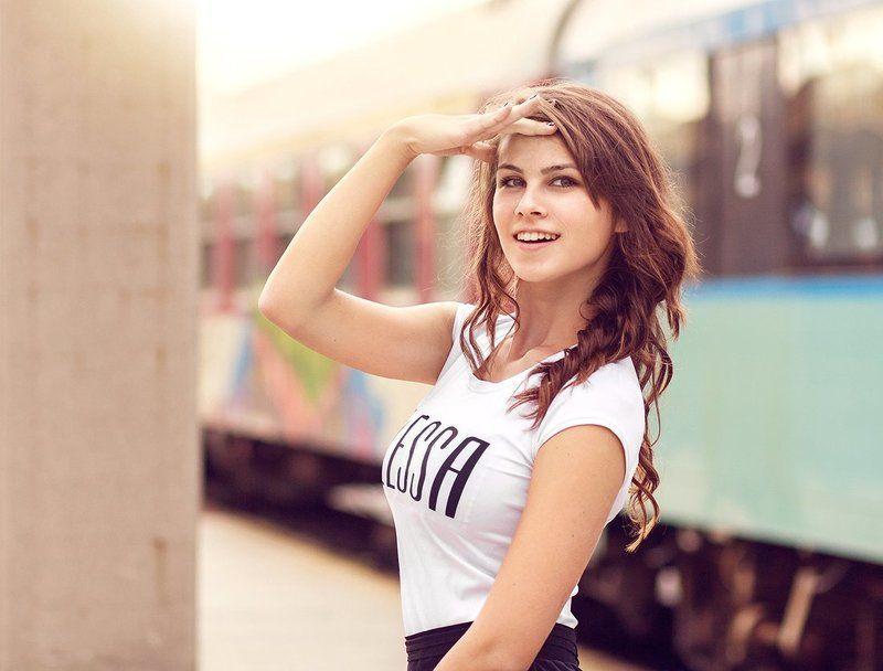portrait beauty retouch bokeh train fashion Анитаphoto preview