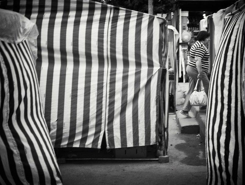 Улица, Человек, Черное белое |||=photo preview