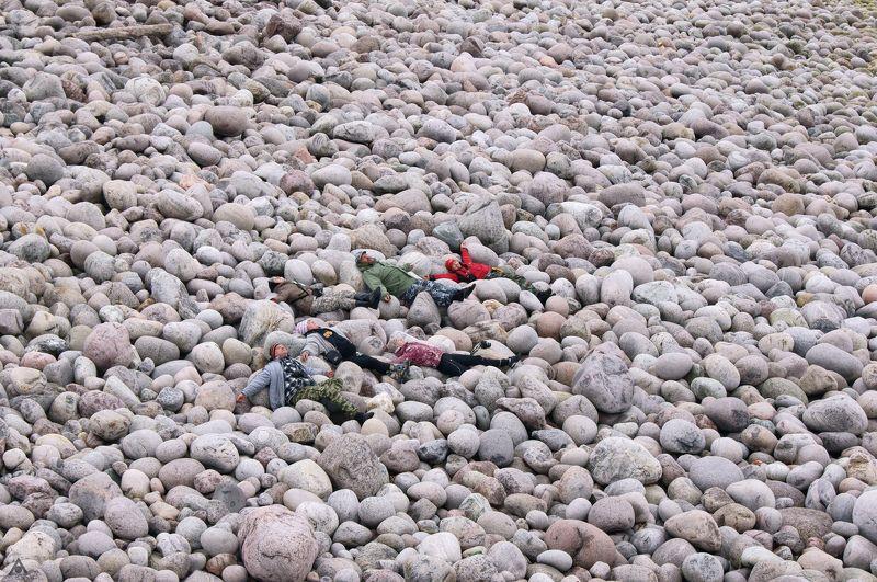 Галька, Лилипуты, Пляж, Териберка Лилипуты на пляжеphoto preview