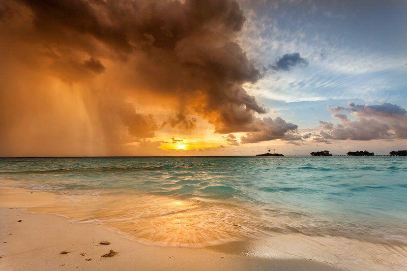 мальдивы, закат, дождь, океан Муссонphoto preview