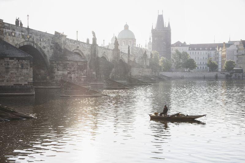 Прага мост, Рефлексы, Рыбак утренний рыбакphoto preview