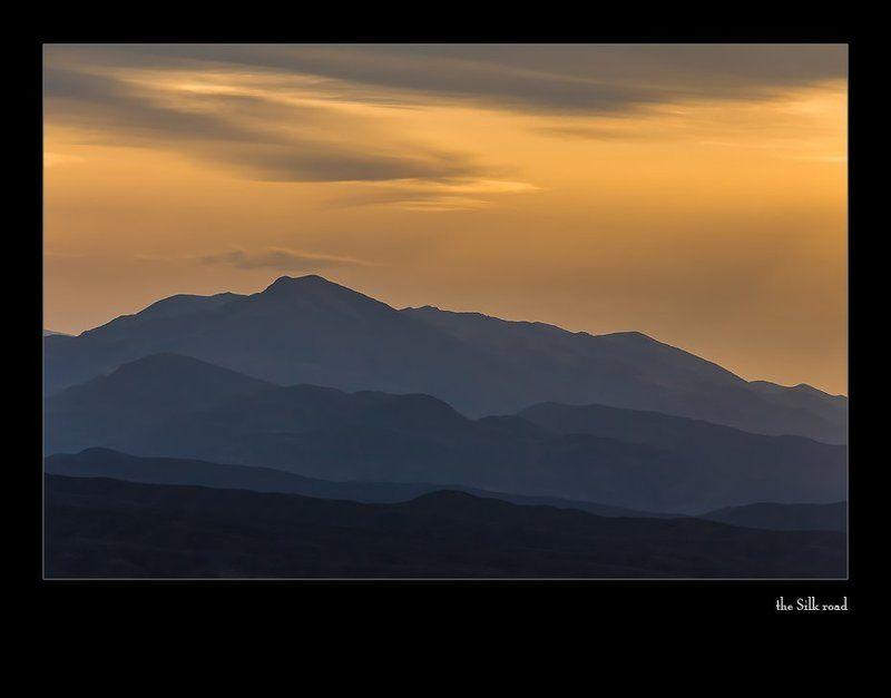 этический... закат с прохладным ветромphoto preview