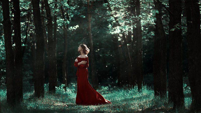 Девушка, Девушка  яблони, Контраст, Красный, Лес, Настроение, Нежность, Платье, Пыль, Свет День, когда яблони отцвелиphoto preview