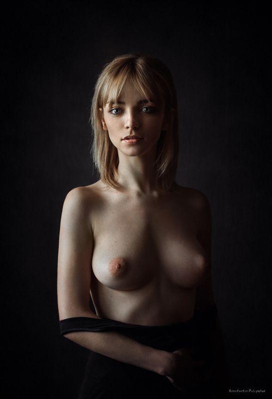 Глубокий взгляд, Голая девушка, Грудь, Девушка Просто Женяphoto preview