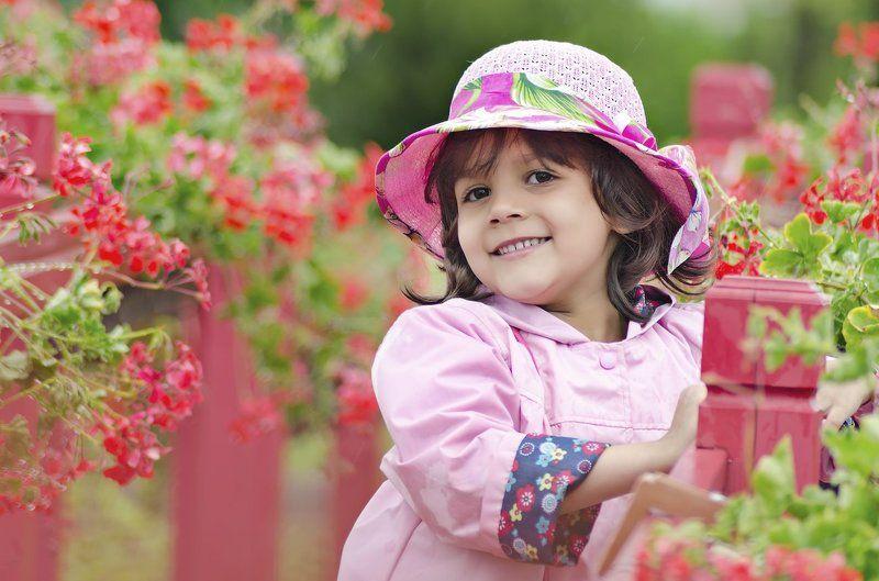 девочка, шляпка, дождь Моя маленькая ледиphoto preview