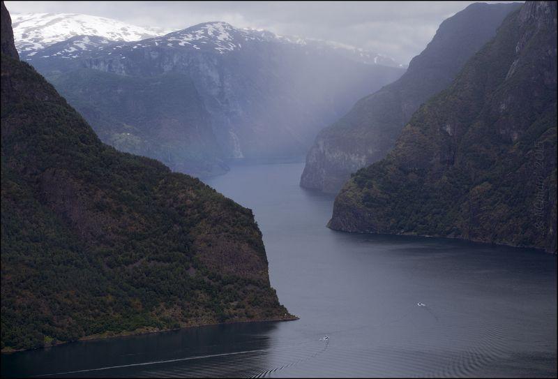 Лодки в Aurlandsfjorden.photo preview