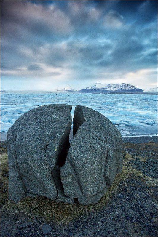 Исландия Йёкюльсаурлоун Jokulsarlon ледяная лагуна ледник Йёкюльсаурлоун (Jokulsarlon). Надвое.photo preview