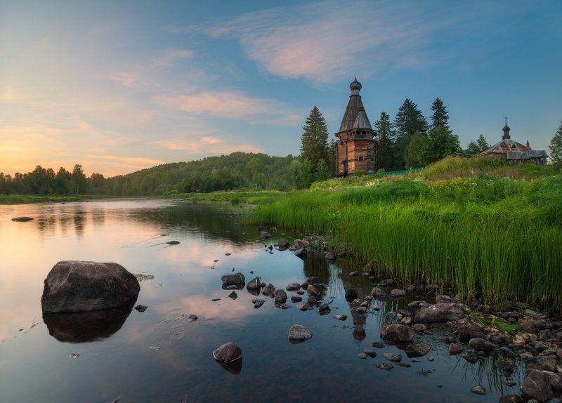 Вечер, церковь, река, лето, Согиницы, Подпорожье Согинский погостphoto preview