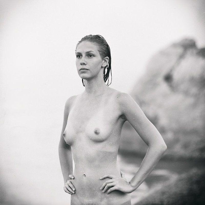 nude portrait ***photo preview