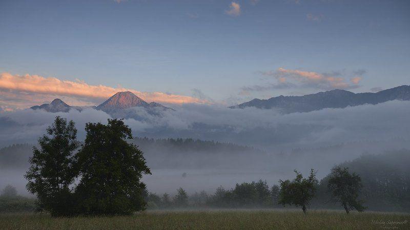 караванские альпы, альпы, австрия, туман, горный пейзаж, вечерний пейзаж, горы Туманные планы Южной Каринтииphoto preview