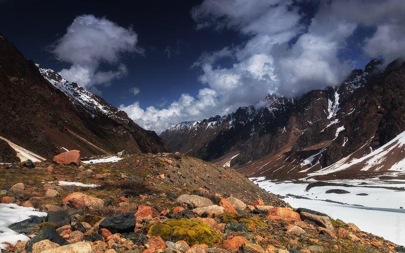 казахстан, алматы, талгар, горы Спуск в Средний Талгарphoto preview
