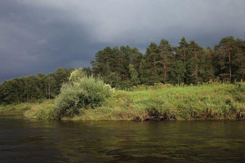 Лето, Река гроза, Угра Обошла сторонойphoto preview
