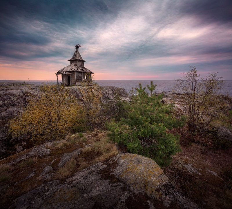 вечер, Ладога, шхеры, вода, камни, скалы, закат, небо, церковь, Есусаарет Уходящееphoto preview