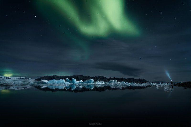 iceland, travel, glacier, lagoon, ice, iceberg, night, sky, northern lights, aurora borealis Descending Lightphoto preview