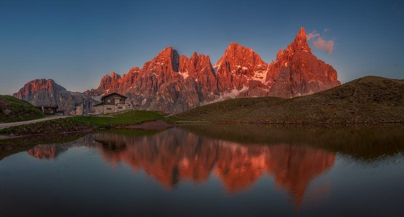 baita segantini, dolomites, italy, италия Mirror of Baita Segantini.photo preview
