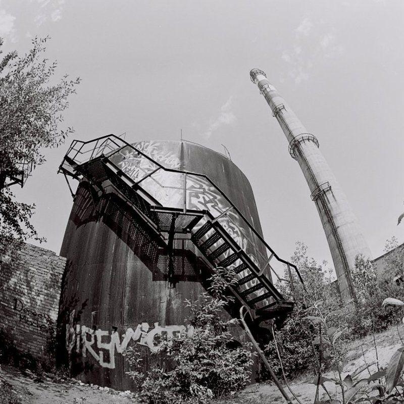 6х6,фотоплёнка,негатив, b&w Зайди в кислотный завод.photo preview