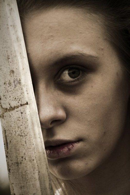 жанр, портрет, ужас, сумашедшая, девушка они просыпаются по весне..photo preview