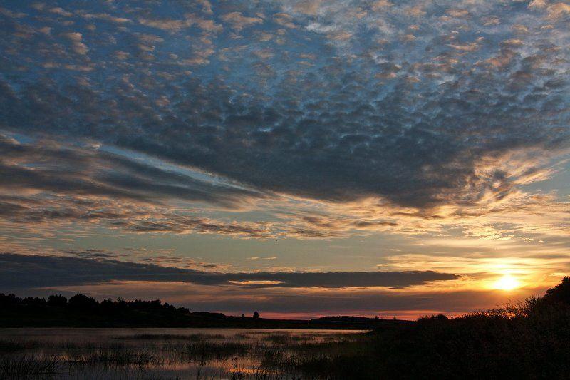 волга, утро, рассвет, небо Волга, Тверская обл. Недалеко от Старицы.photo preview