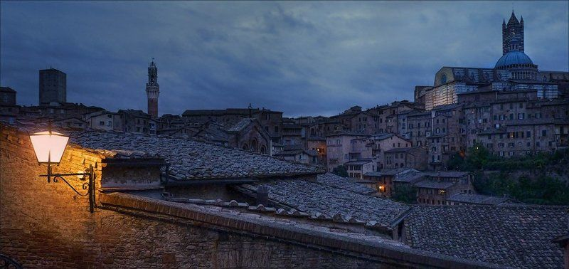 Италия, Сиена, утро Хмурое утроphoto preview