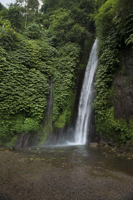 бали, остров, водопад Водопад Мундукphoto preview