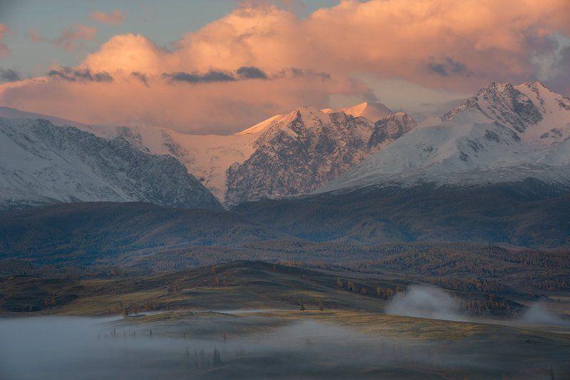 рассвет над Северо-Чуйским хребтомphoto preview