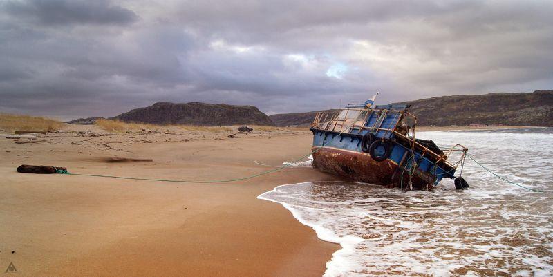 Баренцево море, Териберка, пляж, Корабль, песок, отлив Пляж Териберкиphoto preview