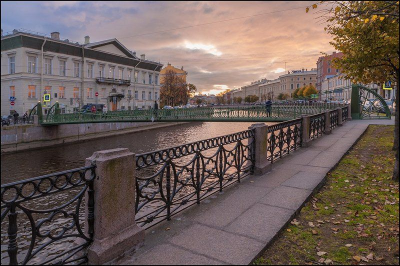 мойка  почтамтский мост  октябрь photo preview