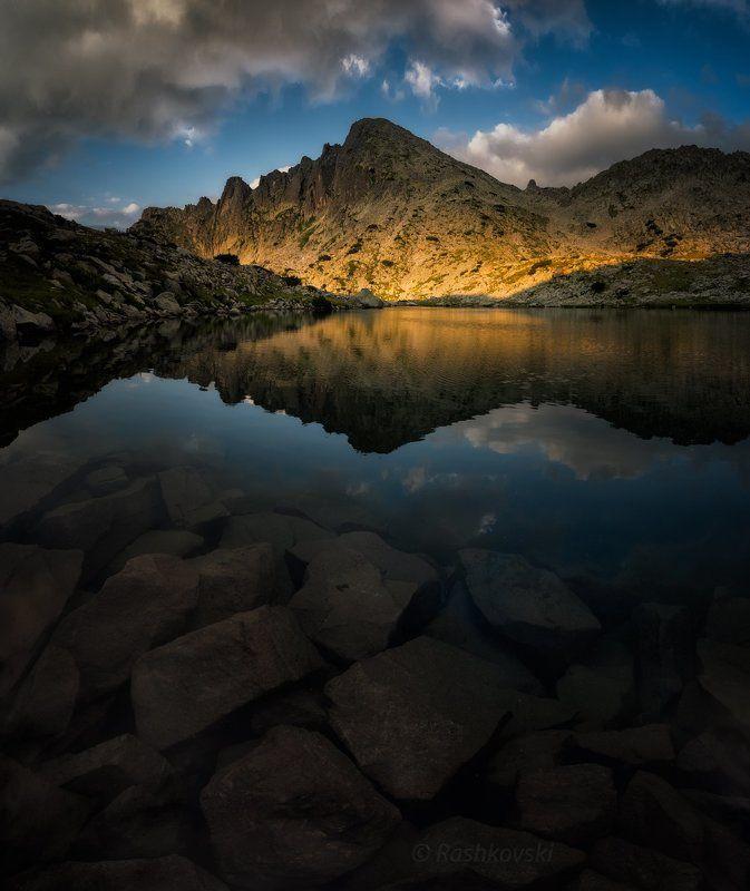 Golden mountainphoto preview