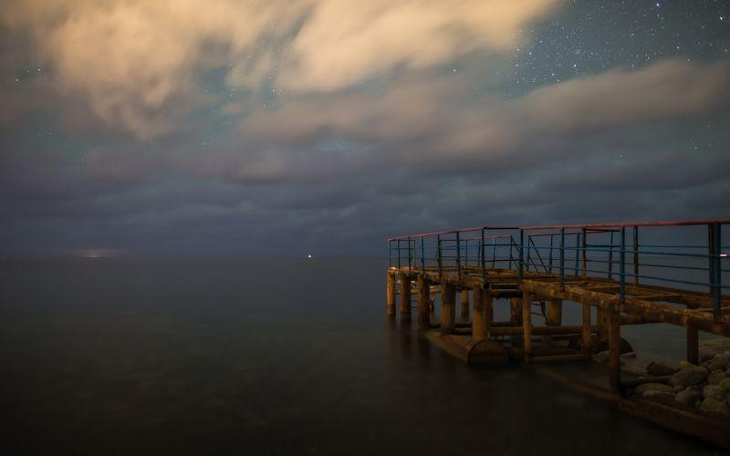 Летят ночные облакаphoto preview