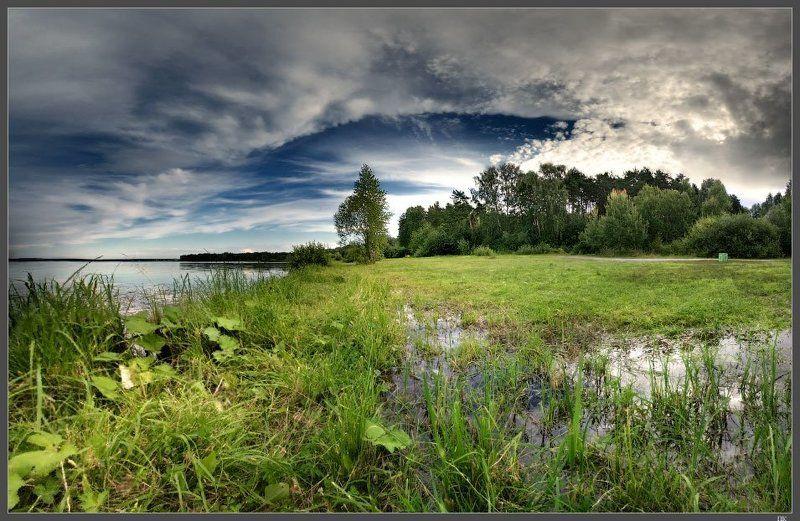 Природа замерла, любуясь на закат...photo preview