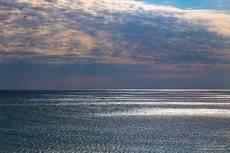 Небо, море, облака.