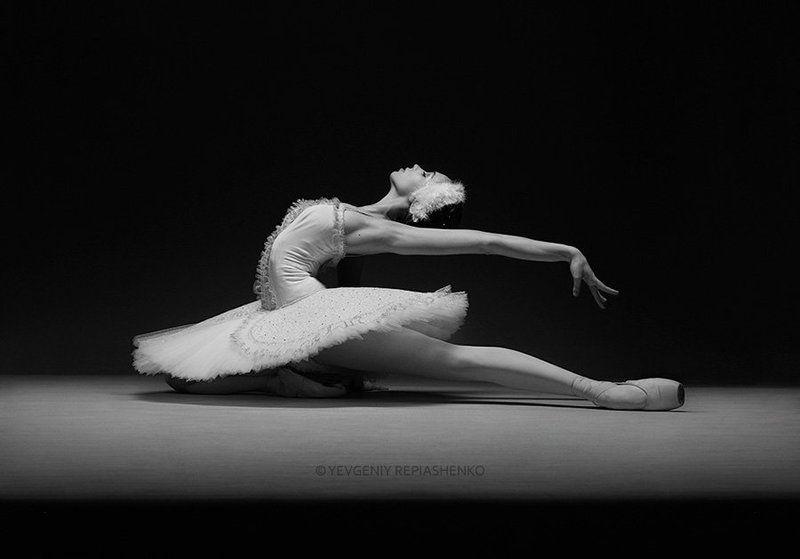 spirit, fine art, ballet, балет, пачка,  пуанты, choreography, хореография, ballerina, балерина, dance, танец, sculpture, скульптура, dancer, танцор, шпагат, чб, bw, art, repiashenko, yevgeniy repiashenko, репяшенко, евгений репяшенко photo preview