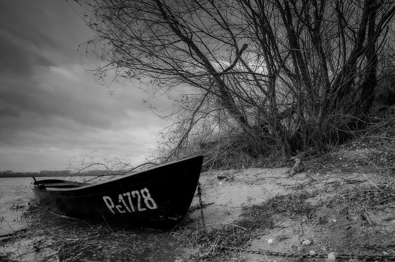 Desolate photo preview
