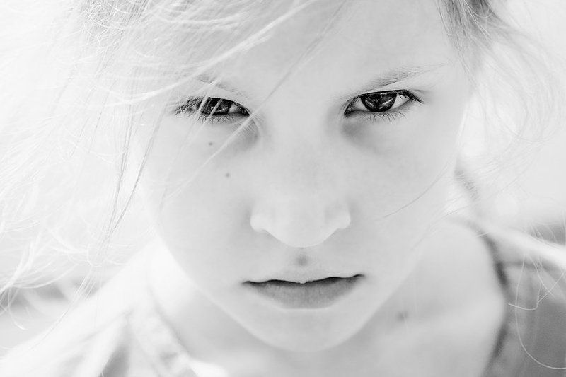 girl, danger, photo, photography, light, portrait, child, childhood, children, sun, face, eyes, lips Гневphoto preview