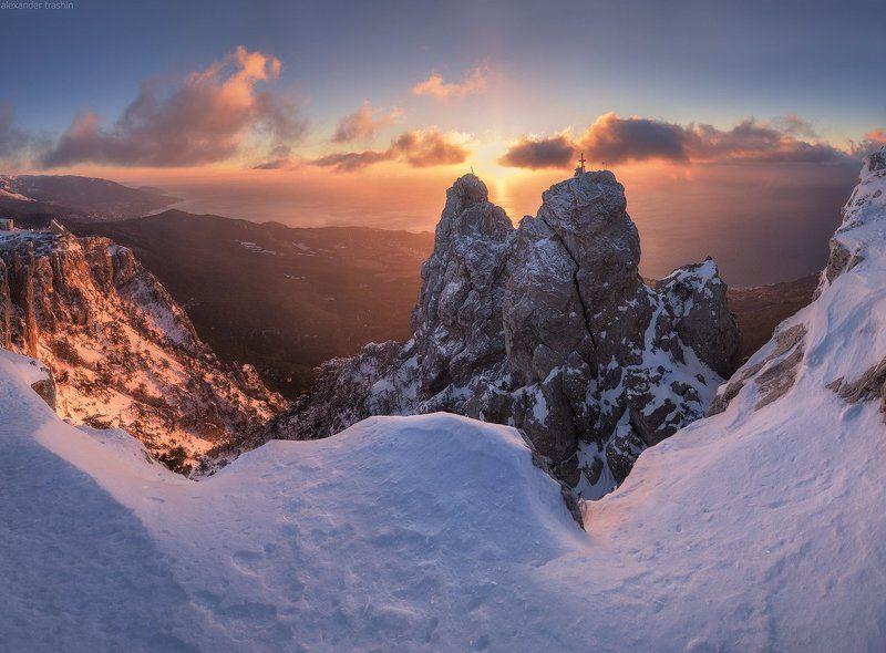 крым, ай-петри, зима, рассвет Ethernal Goldphoto preview