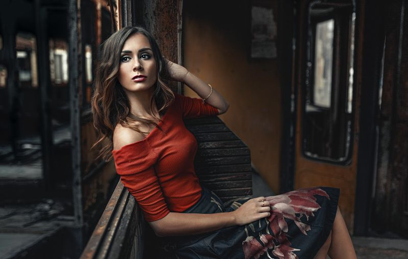 portrait, woman, color, mood Lady in redphoto preview