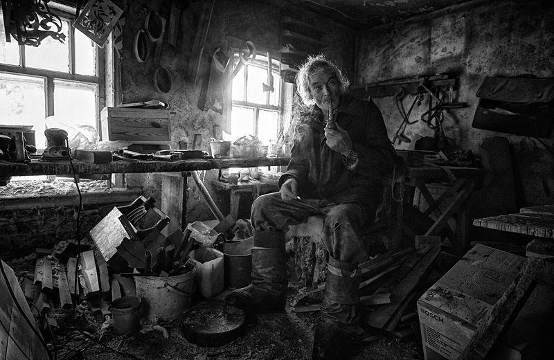 Rustic carpenterphoto preview