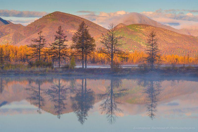 колыма, озеро, отражение Озера Колымыphoto preview