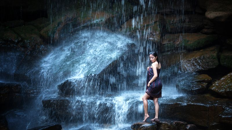 women,cool,portrait,laos,thai,beauty,waterfall,asia, Coolingphoto preview