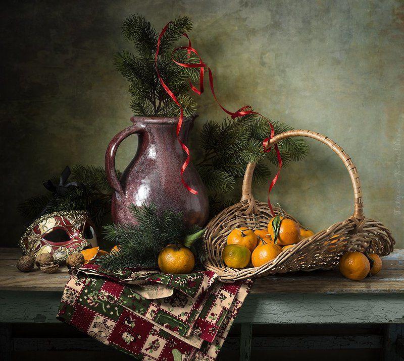 мандарины, еловые ветки Предвкушение праздникаphoto preview