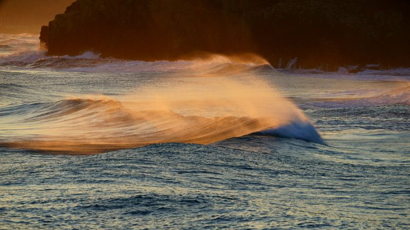 asia,korea,east sea,waves,morning,winter,sea,seascape,rock,wind,light,sunlight Waves and lightphoto preview