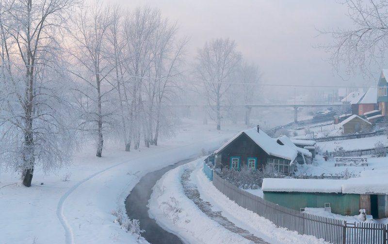 зима снег мороз речка жилище туман вечерний свет. \