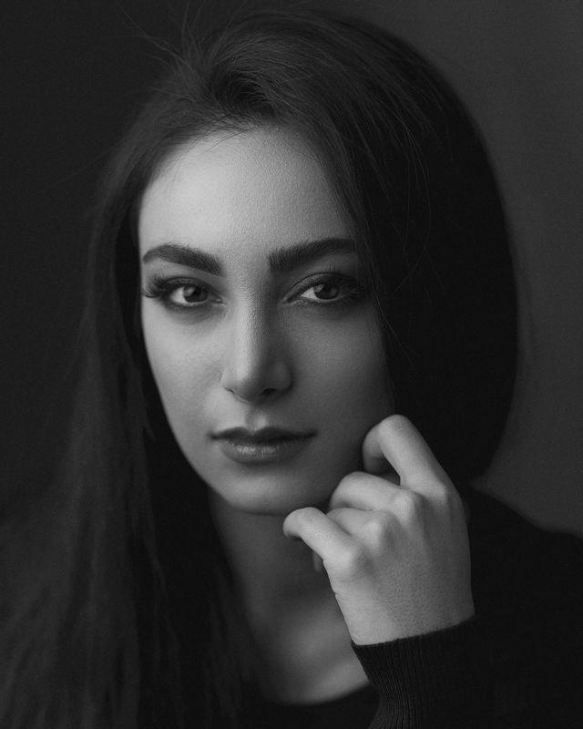 portrait, bw, headshot, beauty, retouch, eyes, face, canon, 85mm, Baharphoto preview