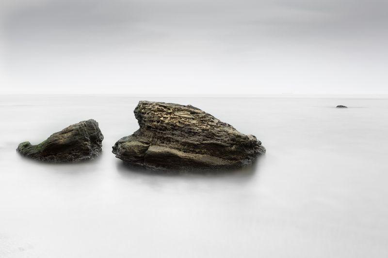 море,камни,вода,берег,длинная выдержка Каменное безмолвиеphoto preview