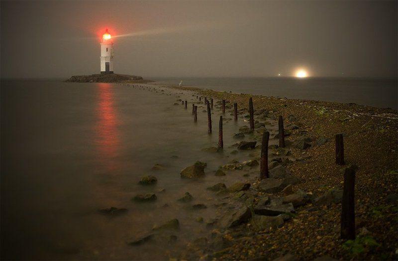 маяк, токаревский, море, ночь, туман, цапля, северные, земли, дмитрий, корнилов ###photo preview
