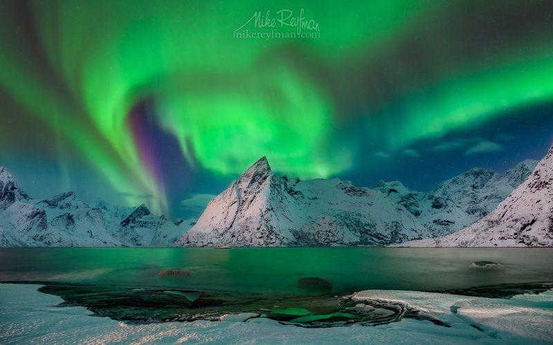 aurora borealis, aurora polaris, lofoten, night, norway,  arctic, dramatic sky, horizontal, majestic, nordic countries, photography, scandinavia, sky, space Арктический Световоротphoto preview